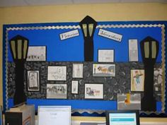 Class Displays, School Displays, Classroom Displays, Classroom Ideas, Victorian History, Victorian Art, Victorian Christmas, Bulletin Board Design, Bulletin Boards