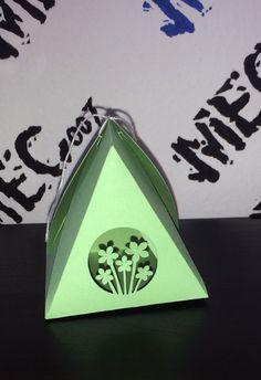 Piramide porta confetti