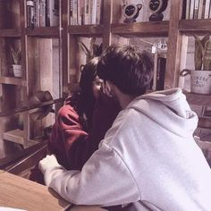 Kissing in public is kinda their thing Photo Couple, Love Couple, Couple Goals, Mode Ulzzang, Ulzzang Girl, Korean Ulzzang, Relationship Goals Pictures, Cute Relationships, Couple Relationship