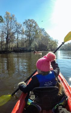 * 10 Things To Do in Tallahassee With Kids *  Tallahassee is much more than just the political capital of Florida… we discovered plenty of things to do with kids, from kayaking with alligators to seeing the world's largest magnet. Hmmm… maybe that's why we were so attracted to this city? ;-)  | TRAVEL WITH BENDER | FAMILY TRAVEL