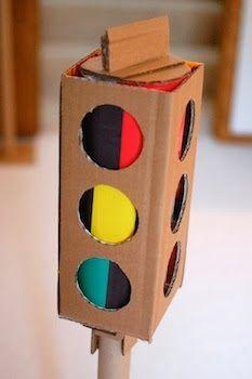 (cardboard crafts) ...cool stop-light...