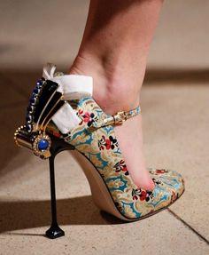 Miu Miu Fall 2016 Pumps as seen on Rosie Huntington-Whiteley Crazy Shoes, Me Too Shoes, Shoe Boots, Shoe Bag, Unique Shoes, Pumps, Beautiful Shoes, Manolo Blahnik, Designer Shoes