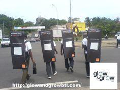 TIPS GLOW & GROW te informa. En México el street marketing tiene una aceptación mayor que en otros países, por lo que es una buena herramienta complementaria de nuestras acciones de marketing online, si es que la tenemos ya bien establecida y funcionando.
