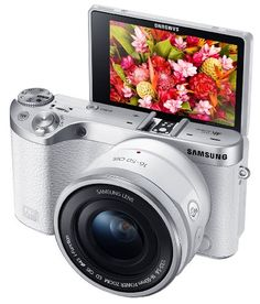 Samsung Electronics NX500 28 MP Wireless Smart Compact System Camera with Included Kit Lens (White)