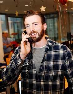 Chris Evans in flannel and a beard...annnnnnd I'm pregnant