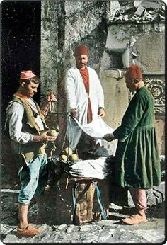 A street seller and two customers.  Istanbul, ca. 1900.