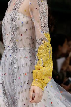 See detail photos for Valentino Spring 2018 Ready-to-Wear collection.