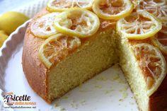 La torta soffice al limone è una classica torta della nonna profumata e delicata. Facile da preparare, è ideale per la colazione o la merenda dei bambini, ma non è certo disdegnata dagli adulti. Procedimento In un pentolino mettere tutto lo zucchero semolato e romperci sopra le 5 uova. Accendere a fuoco basso e con…
