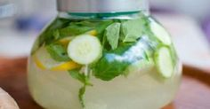 sassy water to boost weight loss - water, 1 medium cucumber, 1 lemon, mint leaves. steep overnight in fridge and drink every day. Love me some sassy water! But I only put half a cucumber in because after it steeps for a while that is a very strong taste. Yummy Drinks, Healthy Drinks, Get Healthy, Healthy Life, Healthy Living, Yummy Food, Healthy Recipes, Healthy Weight, Healthy Lemonade