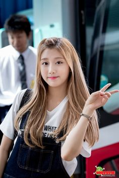 South Korean Girls, Korean Girl Groups, Yein Lovelyz, Woollim Entertainment, First Girl, Debut Album, Kpop Girls, Asian Beauty, Hairstyle