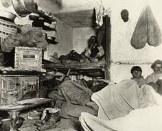 Shelter for Immigrants in New York. Lower East Side, NY — Shelter for immigrants in a Bayard Street tenement, where a group of men share one room. — Photo by Jacob Riis, Image © Bettmann/Corbis Lower East Side, Vintage Photographs, Vintage Photos, Fotografia Social, Mulberry Street, Haunting Photos, Half Life, Ellis Island, Socialism