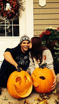 Cute pumpkin carving idea for a couple to do together!