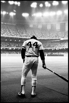 Reggie Jackson on deck at the Superdome in New Orleans or My Yankees, New York Yankees Baseball, Sports Baseball, Baseball Photos, Baseball Cards, Swing, Yankee Stadium, Stadium Tour, Cincinnati Reds Baseball