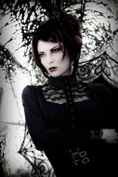 dark-beauties:  Dark beauty http://dark-beauties.tumblr.com/
