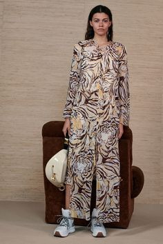See by Chloé Resort 2019 Fashion Show Collection: See the complete See by Chloé Resort 2019 collection. Look 22 Fashion Tips For Women, Trendy Fashion, Fashion News, Fashion Outfits, Womens Fashion, By Chloe New York, See By Chloe, Runway Fashion, Fashion Models