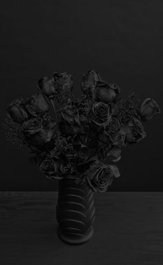 *☆ Black Roses ☆*