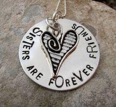 Sisters necklace.. Want it for Tory and I (: