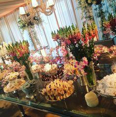 Mesa de doces no casamento de Wesley Safadão e Thyane Dantas.