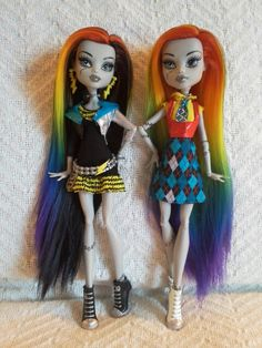 Monster high reroots- two Skull shores Frankie dolls in rainbow gradient hair