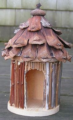 Make your own pinecone fairy house. Fairy Garden Pots, Fairy Garden Furniture, Fairy Garden Houses, Fairy Gardening, Garden Terrarium, Garden Planters, Fairy Tree Houses, Fairy Village, Bird Houses Diy