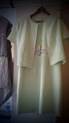 Tailleur robe et boléro vert pâle en 46 C&A
