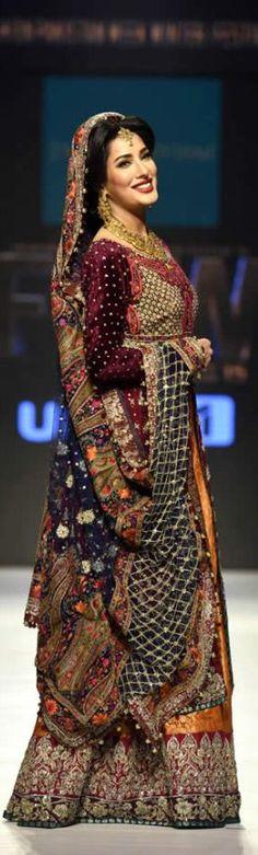 #Zainabchottani #Bridaldresses In #Fashionpakistanweek2015