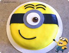 "Jasmine Cuisine: Gâteau ""Minion"" et ses cupcakes trop mignons Minion Birthday, Minion Party, Cake Decorating Techniques, Cake Decorating Tips, Gateau Cake, Cakes For Boys, Frosting Recipes, Gum Paste, Let Them Eat Cake"
