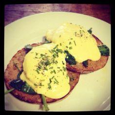 Twitter @fedupanddrunk: The eggs Forentine @BTPcafes ...