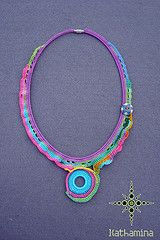 [Colar] C #08 (*kathamina) Tags: necklace handmade ooak crochet jewelry button colar freeform croch kawool