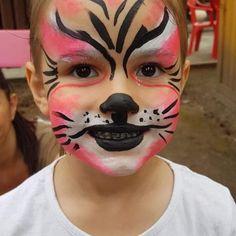 """""""Hiszek abban, hogy a jövőnket a gyerekek alakítják. Amilyen értékek, elvek mentén neveljük őket, olyan lesz a mi jövőnk."""" - Nyári Darinka #hennatetoválás #csillámtetkó #csillámtetoválás #arcfestés Carnival, Face, Mint, Carnavals, The Face, Faces, Facial"""