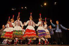 Dancers, Folk, Costumes, Fashion, Moda, Popular, Dress Up Clothes, Fashion Styles, Fancy Dress