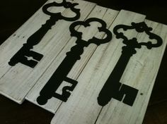 keys! White Washed Vintage Inspired Skeleton Key Wall Decor - Upcycled Reclaimed Wood Planks - Art Decor - Pottery Barn Inspired - Home Decor - Rustic - Shabby Chic Wall Decor -