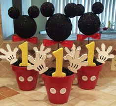 Mickey Mouse Party Ideas – Mickey's Clubhouse – Pretty My Party DIY Mickey Mouse Party Centerpieces Theme Mickey, Fiesta Mickey Mouse, Mickey Mouse 1st Birthday, Mickey Mouse Parties, Elmo Birthday, Birthday Ideas, Dinosaur Birthday, Birthday Table, Mickey Mouse Table