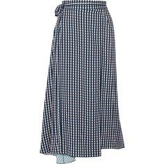 Preen by Thornton Bregazzi Traiber printed twill wrap skirt ($455) ❤ liked on Polyvore featuring skirts, navy, wrap skirt, wraparound skirt, pastel blue skirt, blue skirt and tie-dye skirt