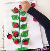 A fun fine motor and math learning activity for independent work or partner work to help build knowledge on number recognition. Toddler Learning Activities, Montessori Activities, Preschool Learning, Infant Activities, Kids Crafts, Preschool Crafts, Insect Crafts, Kids Education, Kids And Parenting