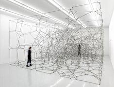 Neat installation by Antony Gormley Antony Gormley, Land Art, Instalation Art, Art Sculpture, Metal Sculptures, Abstract Sculpture, Bronze Sculpture, Light Installation, Art Installations