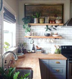 Kitchen decor and kitchen ideas for all of your dream kitchen needs. Modern kitchen inspiration at its finest. Home Decor Kitchen, Diy Kitchen, Kitchen Dining, Kitchen Backsplash, Backsplash Ideas, Kitchen Corner, Kitchen Cabinets, Awesome Kitchen, Corner Stove