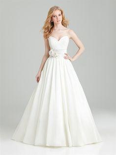 Shop Allure Bridals: Style: 2563