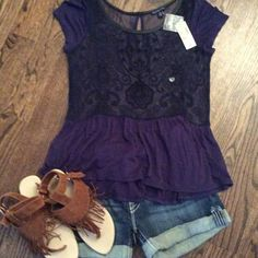 ✨NWT American Eagle sheer top Adorable top bought for daughter, she never wore it! Top is sheer with beautiful pattern on the front. Keyhole closure in back. Size medium. American Eagle Outfitters Tops