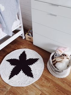 Crochet nursery rug / round rug / nursery decor / area rug / scandinavian rug / woodland nursery / bedroom decor / kids room decor by MyCozyStudio on Etsy