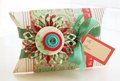 Gifts Dressed Up for the Holidays: Creative Christmas Wrapping Ideas - Stylish Eve Christmas Gift Wrapping, Christmas Crafts, Christmas Ideas, Vinyl Crafts, Paper Crafts, October Afternoon, November, Pretty Packaging, Packaging Ideas