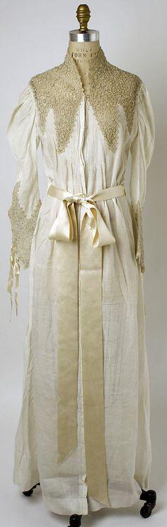 Nightgown Date: ca. 1890 Culture: French Medium: cotton