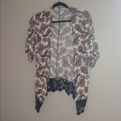 Floral kimono In amazing condition, I'd hate to lay it go I just don't wear it Charlotte Russe Sweaters Cardigans
