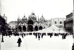 Piazza San Marco (Venice, Italy) full of dust and rubble after the collapse of Campanile di San Marco on July 14 1902.