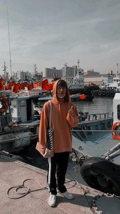 jin wallpaper | Tumblr Namjoon, Taehyung, Seokjin, Yoongi, Hoseok, Foto Bts, Bts Photo, K Pop, Beatles