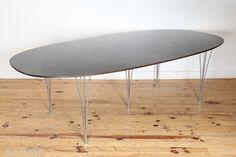 Grande Table Super-Elliptical par P. Hein et B. Mathsson pour F.Hansen, 1975