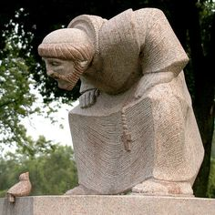 This sculpture of St. Francis of Assisi just makes me smile - so sweet.  Sculpture is found in Saints Peter and Paul Cemetery in Naperville, Illinois.