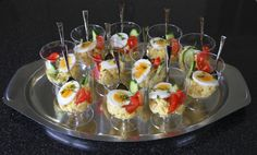 Eggsalade in a glas Party Snacks, Appetizers For Party, Appetizer Recipes, Tapas, Beignets, Sandwiches, Food Buffet, Good Food, Yummy Food