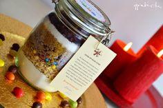 Gasztroajándék: csokis-áfonyás süteménykeverék, azaz cookie in a jar Candle Jars, Candles, Cookie Jars, Xmas, Christmas, Birthday Cake, Cookies, Gifts, Craft