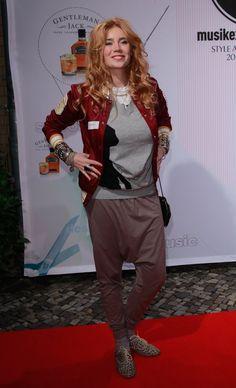 Pin for Later: 48 Fotos, die beweisen was für ein Style-Chameleon Palina Rojinski ist Oktober 2010 bei einem Event in Berlin